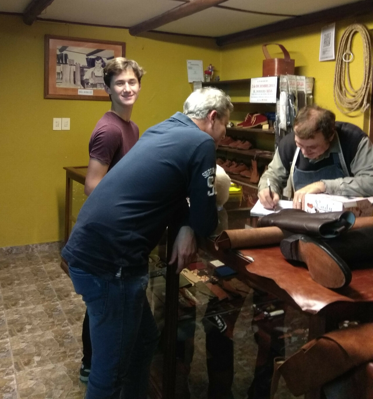 Learn to order handmade boots in Spanish